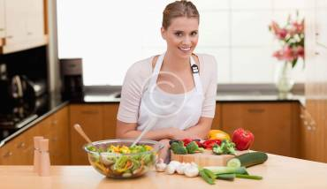 How to Eat Healthy Food and Stay Fit
